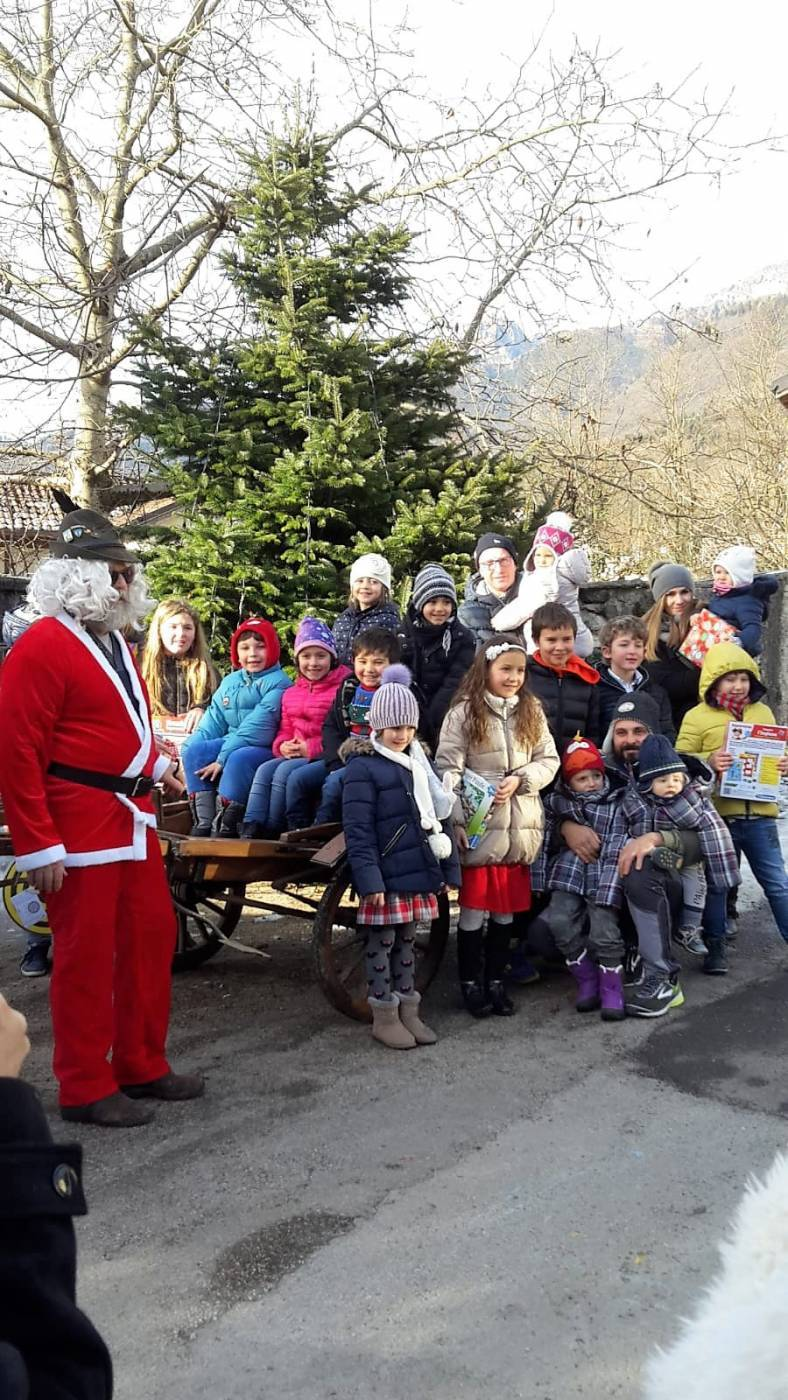 Babbo Natale ed i bambini di Arson