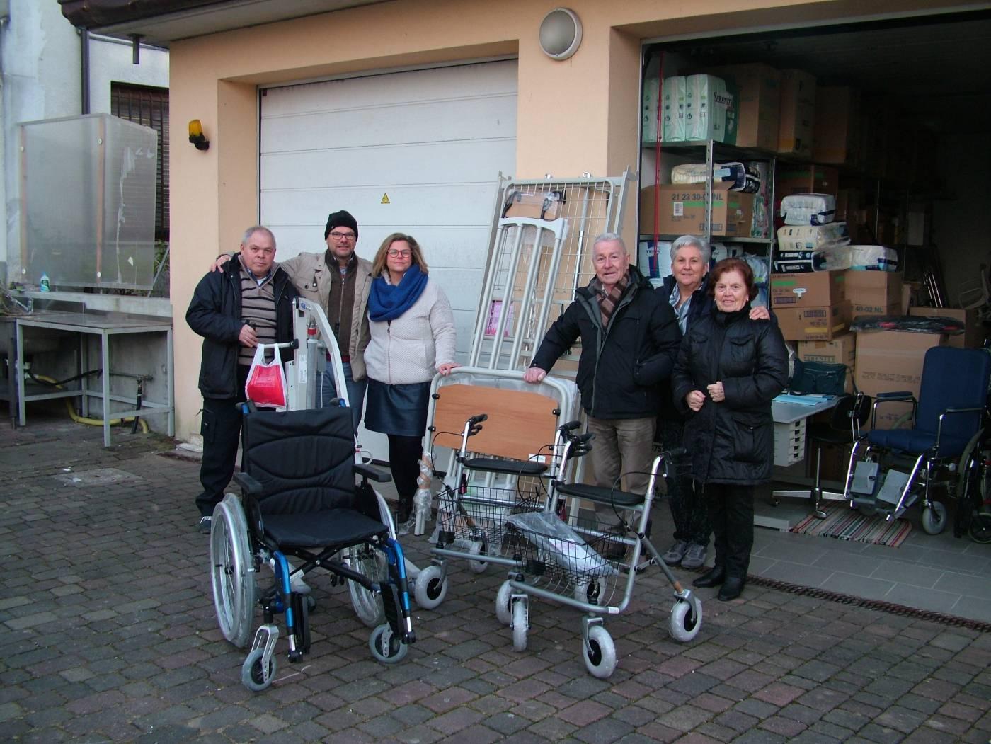 Stella della speranza Santa Giustina (BL) - donazione di materiale professionale a sostegno di malati e persone sole